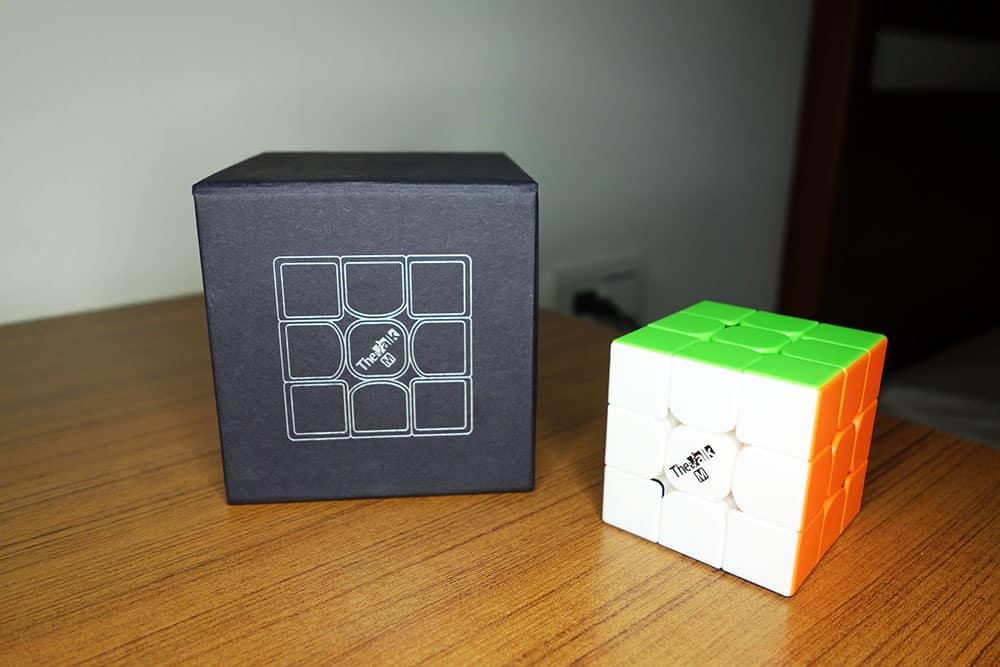 魔方格 Valk3M 方塊與本體