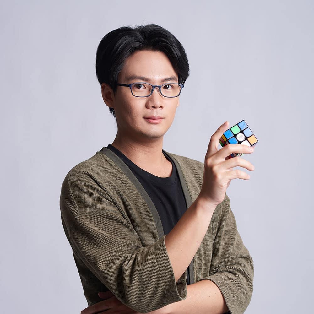 魔術方塊基礎課程教學老師-洪啟倫