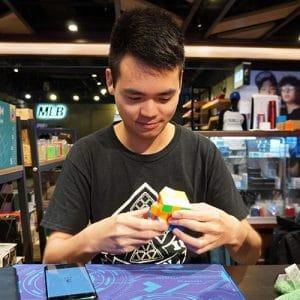 魔術方塊基礎課程教學老師-張祐瑄